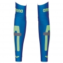Arena Unisex Carbon Compression Arm Sleeves electric blue